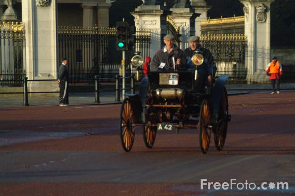 Picture of 1896 Benz  A 42  - London to Brighton Veteran Car Run - 2002 - Free Pictures - FreeFoto.com