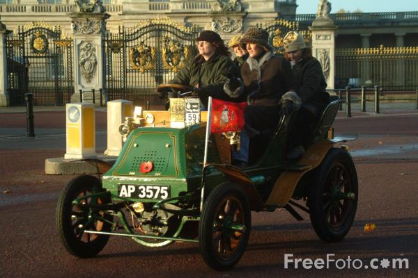Picture of 1900 Napier  AP 3575  - London to Brighton Veteran Car Run - 2002 - Free Pictures - FreeFoto.com