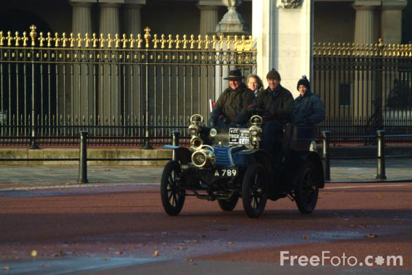 Picture of 1902 Benz  A 789  - London to Brighton Veteran Car Run - 2002 - Free Pictures - FreeFoto.com