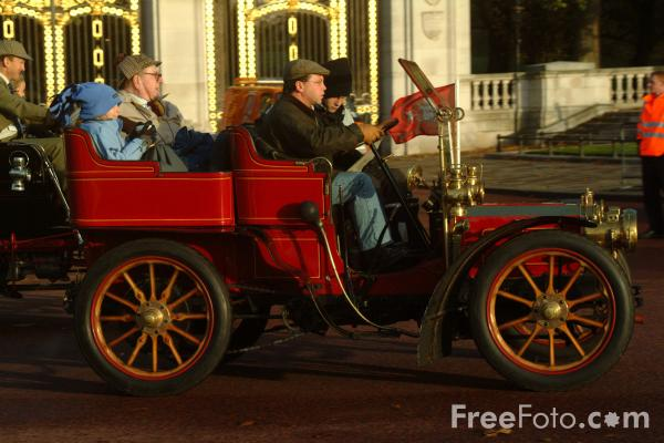 Picture of 1902 Siddeley  P 534  - London to Brighton Veteran Car Run - 2002 - Free Pictures - FreeFoto.com