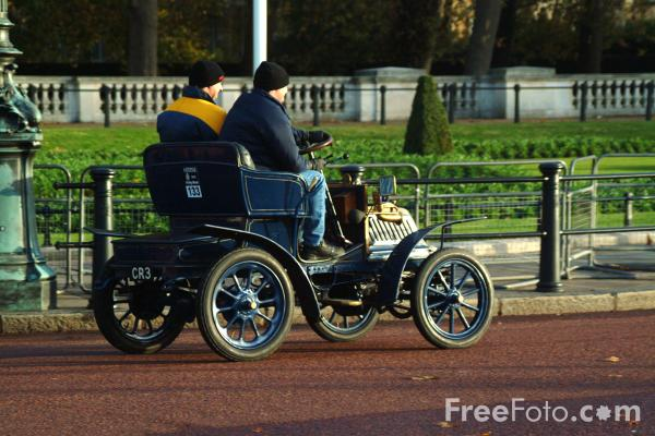 Picture of 1902 Beaufort  CR 3  - London to Brighton Veteran Car Run - 2002 - Free Pictures - FreeFoto.com