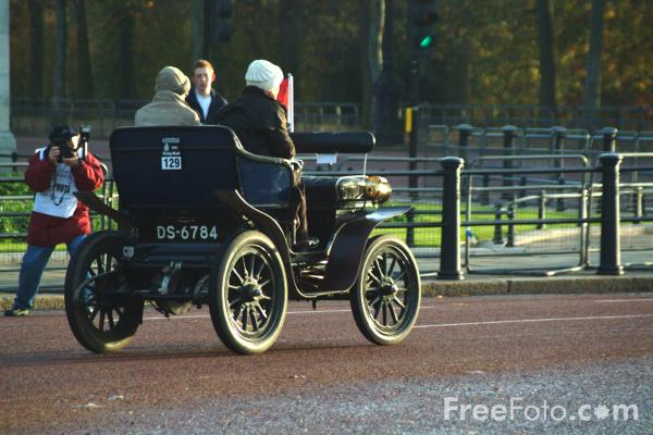 Picture of 1902 De Dion Bouton  DS 6784  - London to Brighton Veteran Car Run - 2002 - Free Pictures - FreeFoto.com