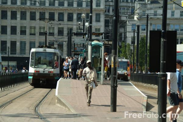 Picture of Manchester Metrolink Tram - Free Pictures - FreeFoto.com