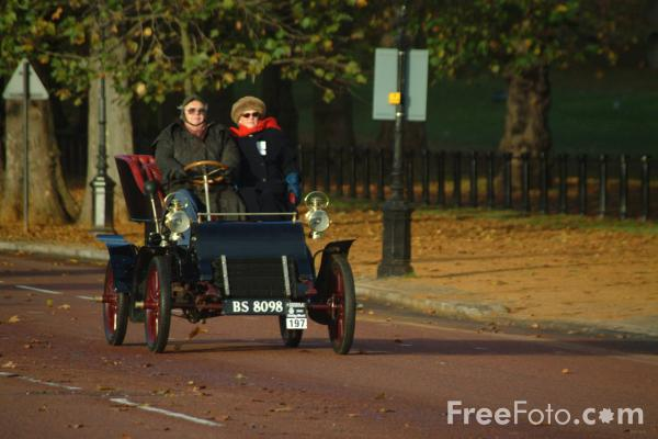 Picture of 1903 Cadillac  BS 8098  - London to Brighton Veteran Car Run - 2002 - Free Pictures - FreeFoto.com