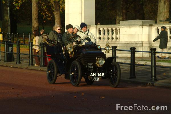 Picture of 1903 Wolseley  AH 146  - London to Brighton Veteran Car Run - 2002 - Free Pictures - FreeFoto.com