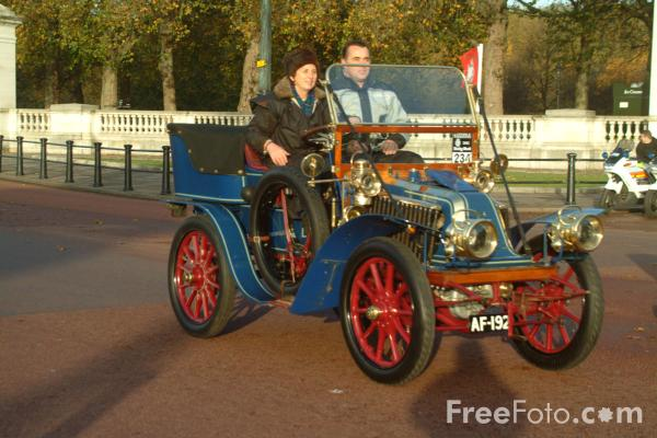 Picture of 1903 Renault  AF 192  - London to Brighton Veteran Car Run - 2002 - Free Pictures - FreeFoto.com