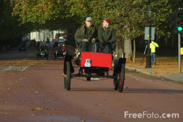 Picture of London to Brighton Veteran Car Run - 2002 - Free Pictures - FreeFoto.com