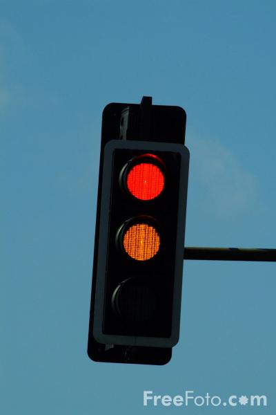 Picture of Traffic Lights - Free Pictures - FreeFoto.com