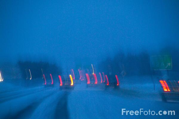 Picture of Driving at night in the snow - Free Pictures - FreeFoto.com