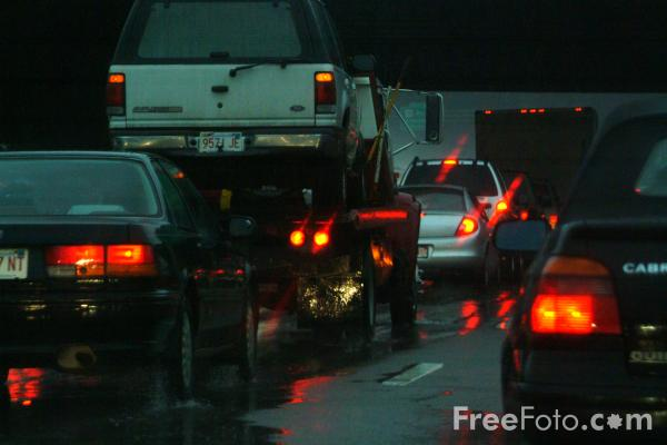 Picture of Traffic in the Rain - Free Pictures - FreeFoto.com