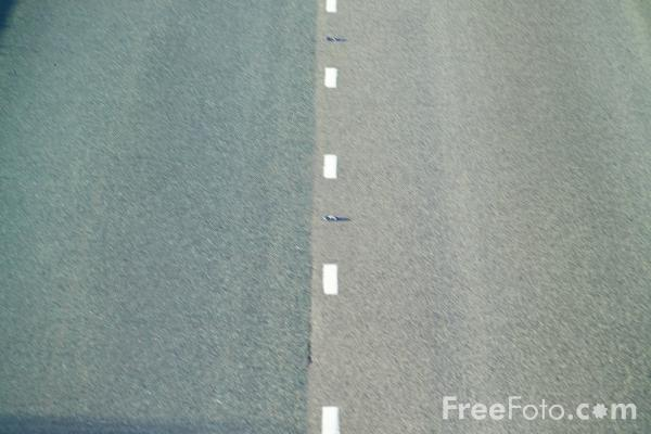 Picture of Road - Free Pictures - FreeFoto.com