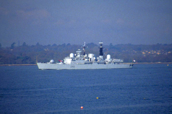 Picture of HMS Glasgow - a Type 42 Destroyer, The Solent, Hampshire - Free Pictures - FreeFoto.com