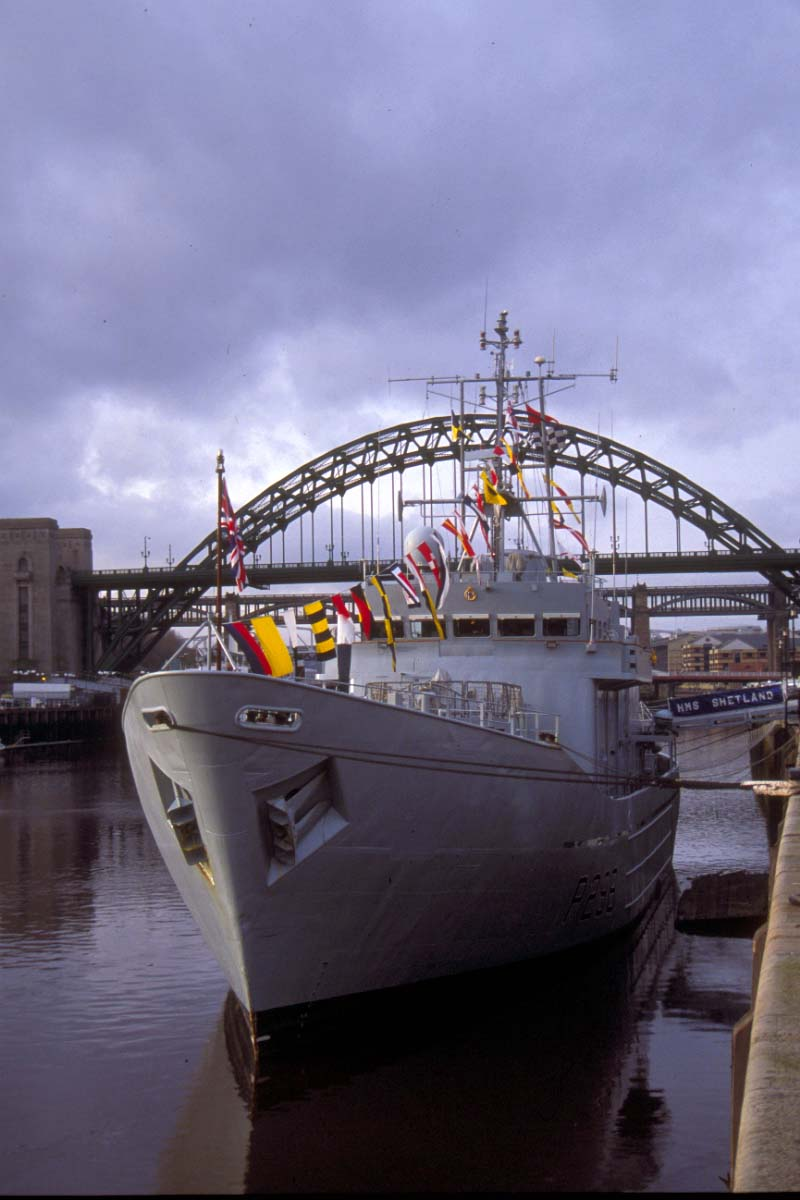 Picture of HMS Shetland - Fishery Protection Squadron Island Class Offshore Patrol Vessel, Newcastle upon tyne - Free Pictures - FreeFoto.com