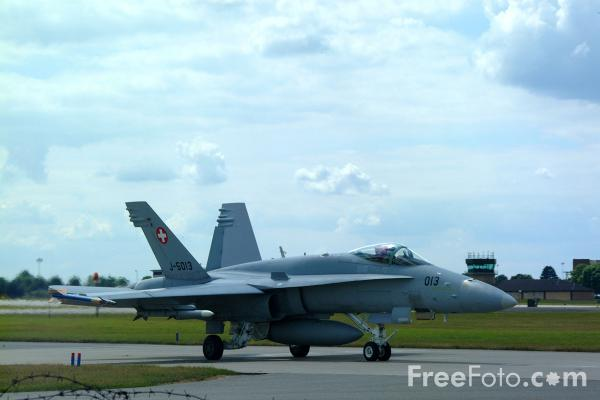 Picture of Swiss Air Force F/A-18C Hornet - Free Pictures - FreeFoto.com