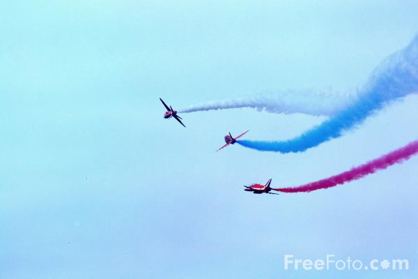 Picture of Raf Red Arrows - Free Pictures - FreeFoto.com