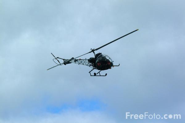 Picture of Agusta Bell 47G-3 Sioux AH.1 Helicopter - RAF Leuchars Airshow - Free Pictures - FreeFoto.com