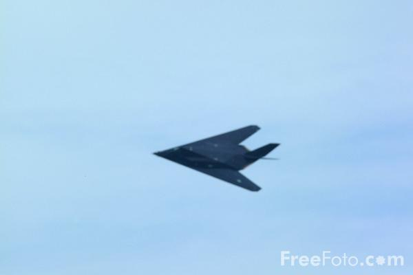 Picture of USAF F-117a Stealth Fighter - Free Pictures - FreeFoto.com