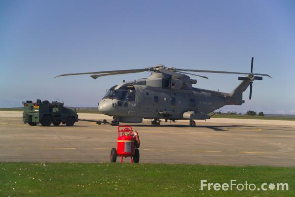 Picture of Royal Navy Merlin HM Mk 1 - Free Pictures - FreeFoto.com