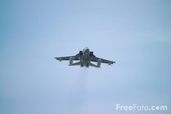 Picture of Royal Air Force Panavia Tornado F3 - Free Pictures - FreeFoto.com