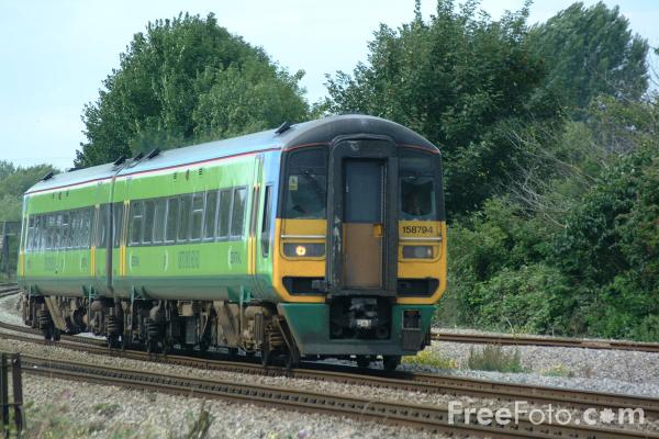 Picture of Central Trains Class 158 - Free Pictures - FreeFoto.com