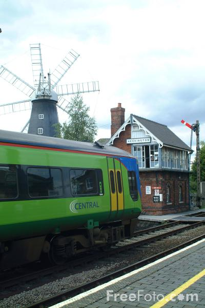 Picture of Central Trains Class 158 at Heckington - Free Pictures - FreeFoto.com