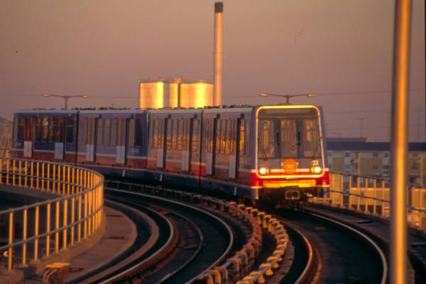 Picture of Docklands Light Railway - Free Pictures - FreeFoto.com
