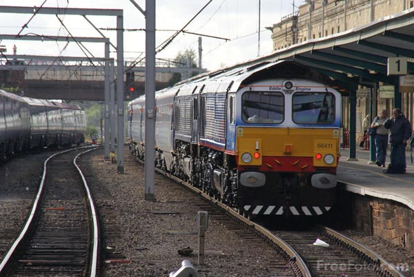 Picture of DRS charter train at Carlisle station - Free Pictures - FreeFoto.com