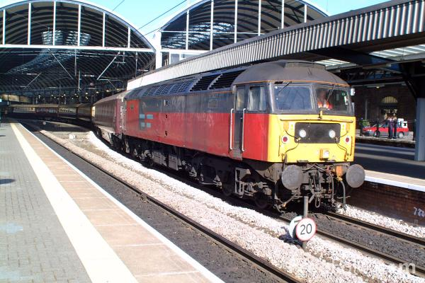 Picture of EWS Brush Class 47 47780 on a charter at Newcastle station - Free Pictures - FreeFoto.com