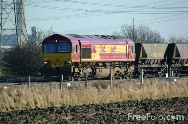 Picture of EWS Class 66 191 near Ferrybridge - Free Pictures - FreeFoto.com