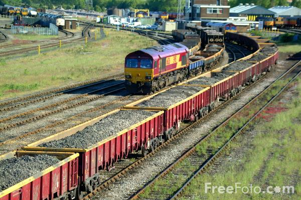 Picture of EWS Class 66 126 at Tyne Yard - Free Pictures - FreeFoto.com