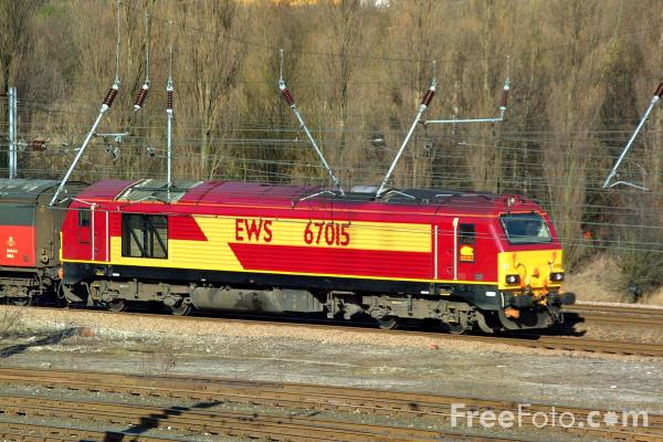 Picture of EWS Class 67015 passing Tyne Yard - Free Pictures - FreeFoto.com