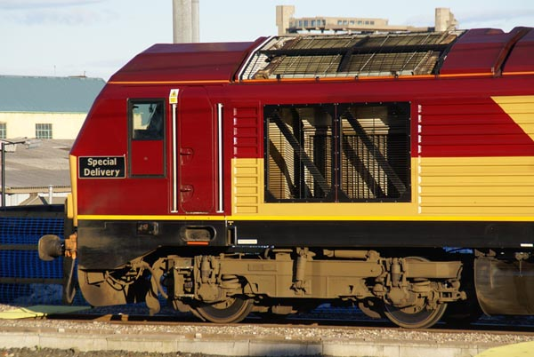 Picture of EWS Class 67 locomotive - Free Pictures - FreeFoto.com
