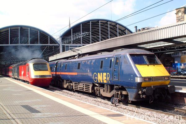 Picture of GNER 225 at Newcastle upon Tyne - Free Pictures - FreeFoto.com
