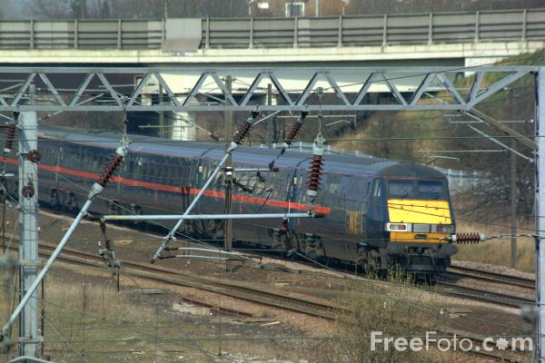 Picture of GNER 225 near Low Fell, Gateshead - Free Pictures - FreeFoto.com