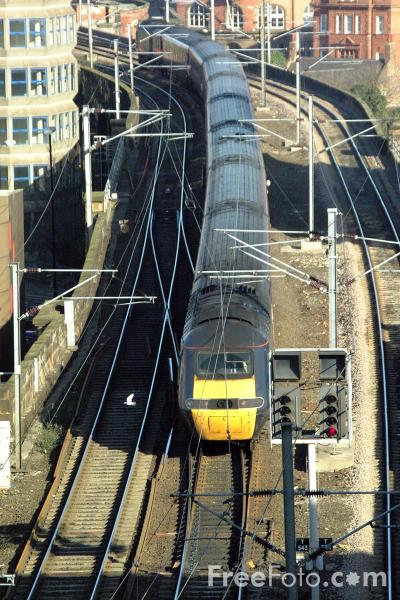 Picture of GNER HST enters Newcastle Central station - Free Pictures - FreeFoto.com