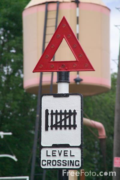 Picture of Old Level Crossing Sign - Free Pictures - FreeFoto.com
