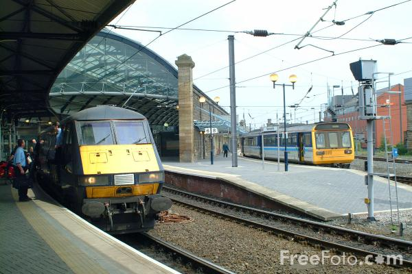 Picture of Arriva Trains Northern Class 142 Pacer unit at Newcastle - Free Pictures - FreeFoto.com