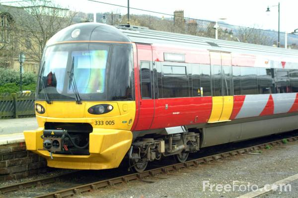 Picture of Arriva Trains Northern Class 333 005 Metro Train at Ilkley station - Free Pictures - FreeFoto.com