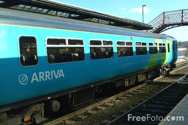 Picture of Arriva Trains Northern Class 156 at Hexham - Free Pictures - FreeFoto.com