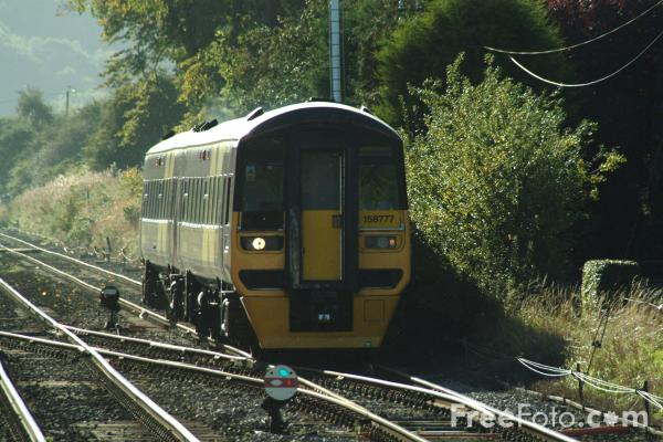 Picture of Class 158 Arriva Transpennine unit at Haydon Bridge - Free Pictures - FreeFoto.com
