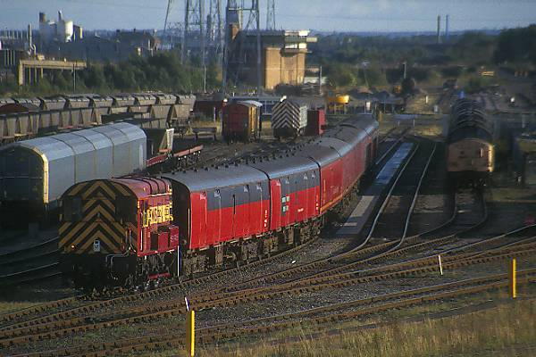 Picture of Shunting a Mail Train in Tyne Yard - Free Pictures - FreeFoto.com