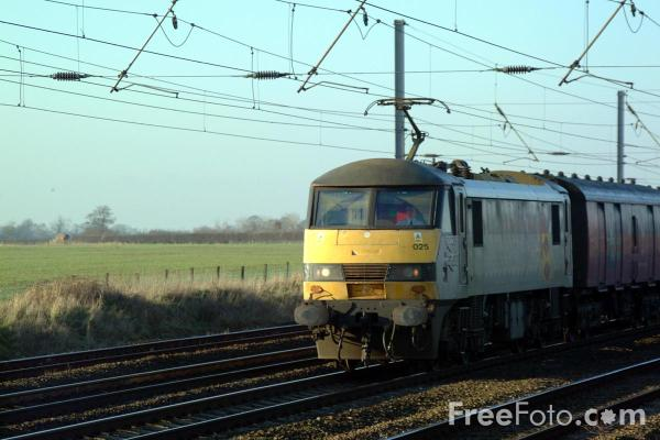 Picture of Class 90 025 on the ECML near York - Free Pictures - FreeFoto.com