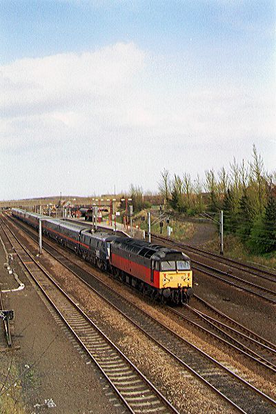 Picture of RES Class 47 47 635 hauls a diverted train at Pelaw. - Free Pictures - FreeFoto.com