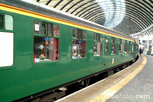 Picture of Southern Region Mark One Carriage - Free Pictures - FreeFoto.com