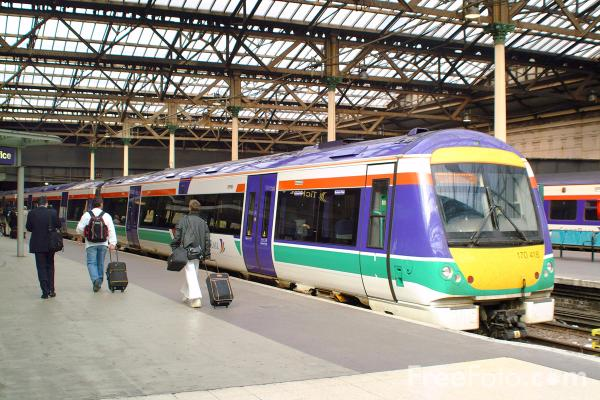 Picture of ScotRail Class 170 418 in Edinburgh Waverly station - Free Pictures - FreeFoto.com
