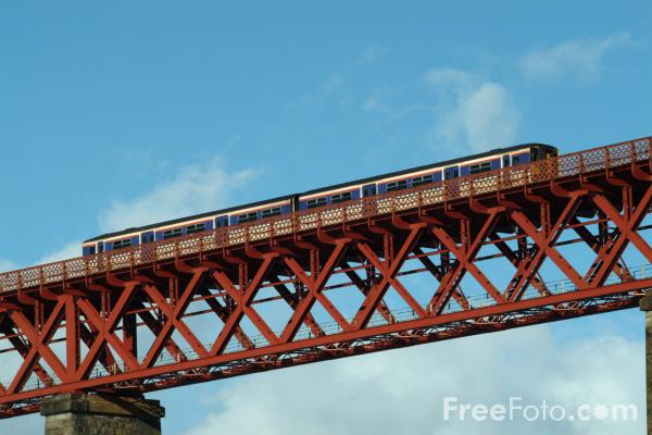 Picture of Scotrail train on the Forth Railway Bridge - Free Pictures - FreeFoto.com