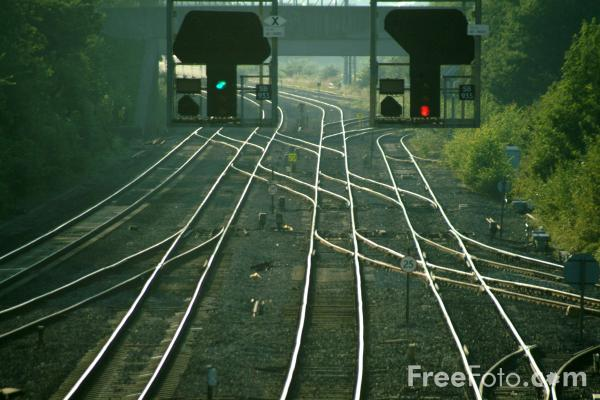 Picture of Signals, Didcot Junction - Free Pictures - FreeFoto.com