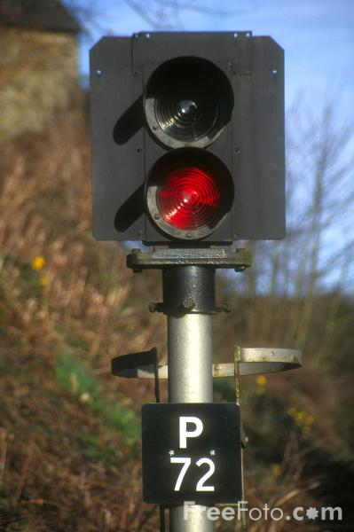 Picture of Red signal - Free Pictures - FreeFoto.com