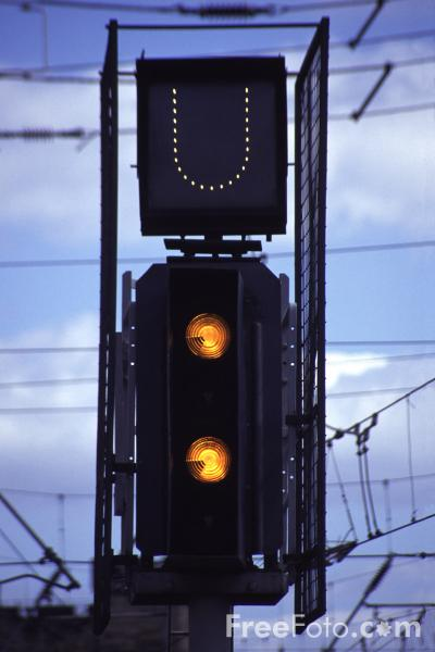 Picture of Double Yellow signal - Free Pictures - FreeFoto.com
