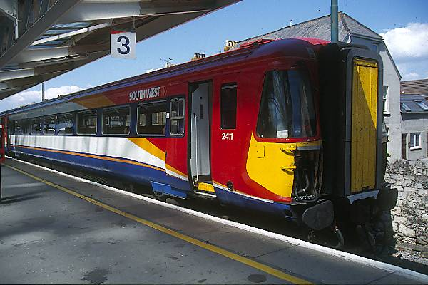 Picture of South West Trains Class 442 Wessex Electric at Weymouth Station - Free Pictures - FreeFoto.com